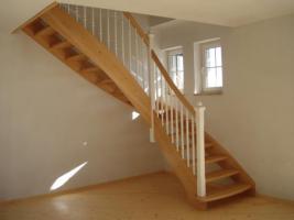 Foto 2 Treppen nach Mass, Massivholztreppen, Holztreppen aus Polen