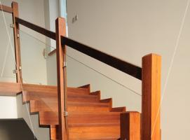 Foto 2 Treppen aus Polen Tischlerei As-Treppen, Massivholztreppen nach Mass