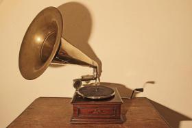 Trichtergrammophon aus ca. 1920