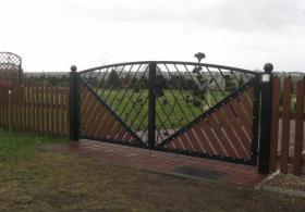 Foto 3 Umzäunungen Tore Zaune Netz Gitter und Geländer aus Polen