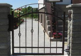 Foto 5 Umzäunungen Tore Zaune Netz Gitter und Geländer aus Polen