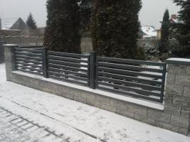 Untermauerung Betonzaun Mit Stahlelementen Zaun Zaune Aus Beton In