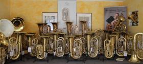 Foto 2 V.F. Cervený Tuba in BBb, Mod. CBB 681-4 inkl. Rollenkoffer, Neuware
