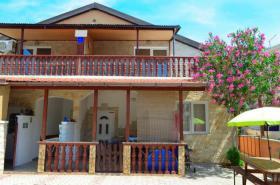 Foto 2 Verkaufe Haus am Meer Insel Vir Kroatien - 5 Wohneinheiten mit Meeresblick