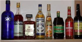 Verkaufe billig mehrere Spirituosen