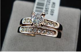 Verkaufe neuen Swarovski 18K Gelbgold Ring mit Kristallen