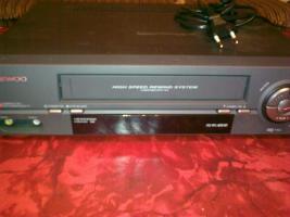 Videorecorder, CD-Player, Plattenspieler, Radio, Receiver