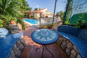 Villa Lijane mit Pool und Garten bis 8 Personen