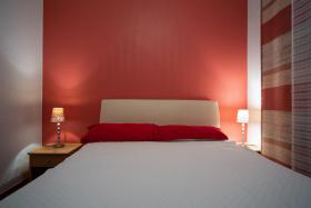 Schlafzimmer Fewo 2 Villa Lijane mit Pool und Garten bis 8 Personen