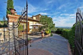 Villa in Montaione (Toskana) mit privaten Pool