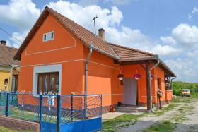 Voll renoviertes, echtes Bauernhaus in ruhiges Dorf in West Ungarn