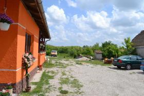 Foto 2 Voll renoviertes, echtes Bauernhaus in ruhiges Dorf in West Ungarn