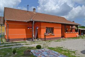 Foto 3 Voll renoviertes, echtes Bauernhaus in ruhiges Dorf in West Ungarn