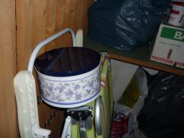 Foto 4 Wäscheständer, Ventilator, 1Plattentischherd, Keksdosen