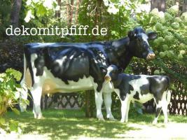 Foto 3 Weihnachtskrippe oder Holstein Deko Kuh  …?