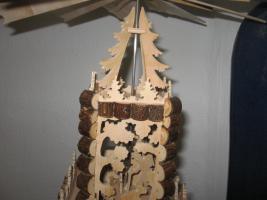 Foto 3 Weihnachtspyramide-Erzgebirgskunst Feinste Laubsägearbeit- 45 cm