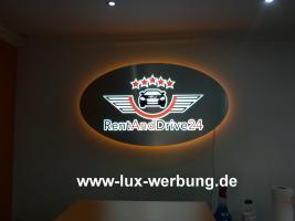 Foto 12 Werbeschilder mit LED Beleuchtung Leuchtschilder Leuchtkästen Werbekästen Leuchtbuchstaben 3D Plexibuchstaben mit LED Außenwerbung