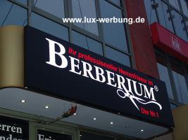 Foto 20 Werbeschilder mit LED Beleuchtung Leuchtschilder Leuchtkästen Werbekästen Leuchtbuchstaben 3D Plexibuchstaben mit LED Außenwerbung