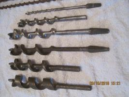 Foto 2 Werkzeuge für Schalungsbau und Holzbearbeitung
