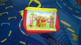Winnie Pooh Kühltasche und Weinachtskugel