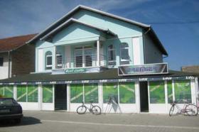 Wohn-und Gewerbeimmobilien in Bach, Serbien zu verkaufen