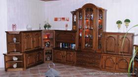 Wohnzimmerschrank Eiche rustikal teilmassiv - Sehr gut erhalten und ...