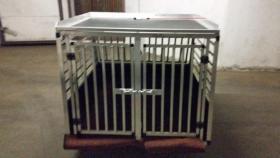 XXL – Doppel Hundetransportbox mit Notausstieg, Ablage und Trennwand
