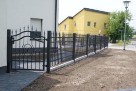 Foto 4 Zäune aus Polen, Zaun, Metallzäune, Doppelstabmatten, Schmiedeeisenzäune, Fenstergitter, Balkongeläder