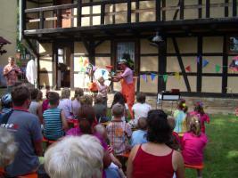 Foto 6 Zauberclown Kinderfasching Kindergeburtstag Stimmungsmusik und ein Clown