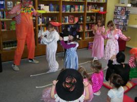 Foto 8 Zauberclown Kinderfasching Kindergeburtstag Stimmungsmusik und ein Clown
