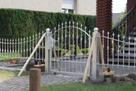 Foto 3 Zaun aus Polen Metallzäune, Geländer , Metalltreppen