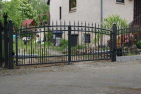 Foto 6 Zaun aus Polen, Doppelstabmattenzäune, Tor, Pforte, Sichschutz, Zaunanlage aus Polen