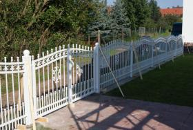Foto 10 Zaun aus Polen, Zäune, Tore, Pforten, Geländer aus Metall