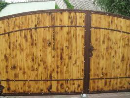 Foto 5 Zaun aus polen, Metallzaune, TORANLAGE Schmiedeeisenzaune