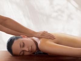 Zeit für eine Aroma Massage ( Ganzkörpermassage ) - Lassen Sie sich verwöhnen  !