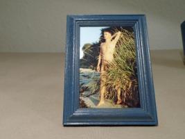 Foto 2 Zwei männliche Akte mit Holzrahmen und Glas