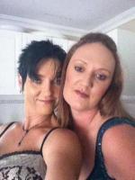 Zwei sexy Mädels suchen das Abenteuer!