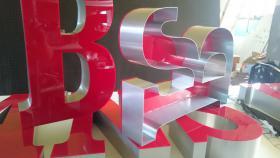 Foto 6 ab 59 EUR LED Leuchtbuchstaben Profilbuchstaben 3D Einzelbuchstaben leuchtwerbung Leuchtschilder Leuchtkasten Leuchtreklame 3D Plexibuchstaben mit LED Beleuchtung Werbeschilder Leuchtschilder Leuchtreklame für Gewerbeimmobilien Berlin München