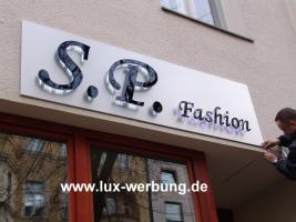 Foto 13 ab 59 EUR LED Leuchtbuchstaben Profilbuchstaben 3D Einzelbuchstaben leuchtwerbung Leuchtschilder Leuchtkasten Leuchtreklame 3D Plexibuchstaben mit LED Beleuchtung Werbeschilder Leuchtschilder Leuchtreklame für Gewerbeimmobilien Berlin München