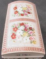 alte Bauerntruhe- Buggeltruhe-handbemahlt jede Blume ist anders gemalt