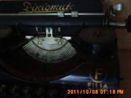 Foto 3 alte Schreibmaschine