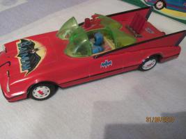 Foto 4 altes rotes blechspielzeug batmobil mit karton