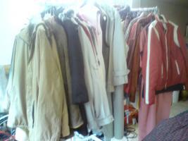 Foto 2 damen, herren , kinderbekleidung und vieles mehr