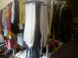 Foto 3 damen, herren , kinderbekleidung und vieles mehr