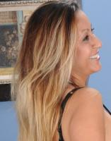 devote Blondine sucht starken Partner