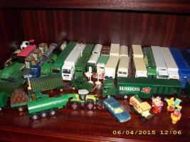 diverse Modell-Lkw zu verkaufen