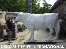 Foto 4 es ist doch ganz einfach du willst den grossen deko bullen und dazu die grosse deko kuh ja dann ruf an und bestell ...