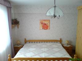Schlafzimmer mit Schrank
