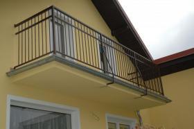 Foto 4 geschmiedete Geländer und Zäune, Doppelstabmatten aus Polen, Zaune