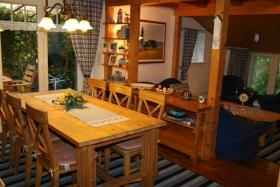Foto 3 grosses-ferienhaus-ferienwohnungen -nordsee-friesland-ostfriesland familien-reisegruppen bis 34 personen